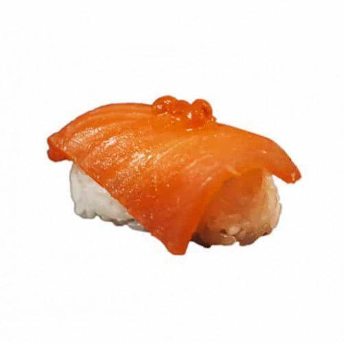Нігірі з копченим лососем